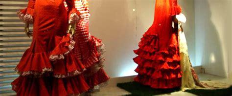 tenue cuisine flamenco le vêtement des danseuses de flamenco don