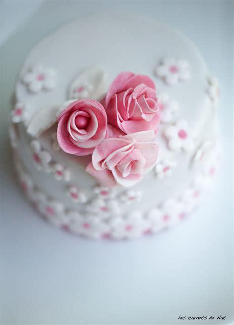 decorer un gateau en pate a sucre g 226 teau pour les amoureux en p 226 te 224 sucre les carnets de nat