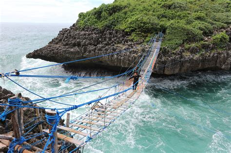 pulau kalong tempat menguji nyali   gunungkidul