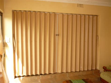 Patio Curtains Outdoor Plastic by Folding Doors Venetian Blind Centre