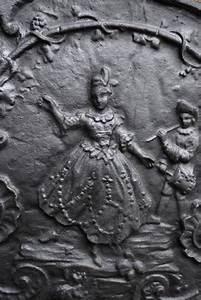 Plaque De Cheminée En Fonte Le Bon Coin : plaque de chemin e de style louis xv la femme au pas de ~ Farleysfitness.com Idées de Décoration