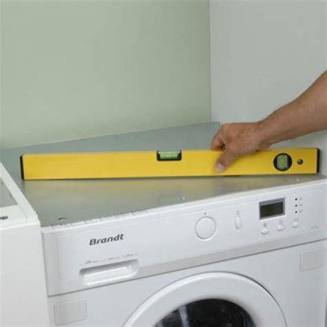 protege plan de travail cuisine lave linge encastré sous un plan de travail de cuisine
