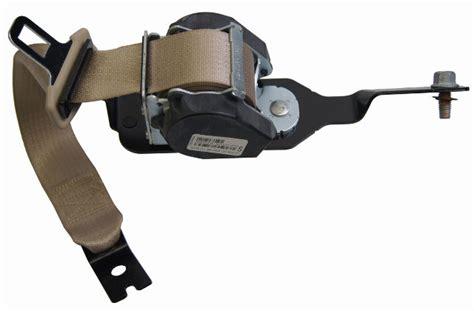saturn aura rear lh seat belt neutral tan