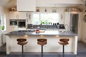 plan de travail resine pour une cuisine moderne With plan de travail design cuisine