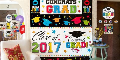 Can you even imagine celebrating graduation without the proper decorations? Graduation Wall Decorations - Party City