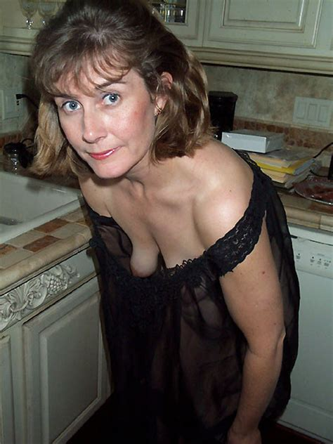 Psmnc23c In Gallery Saggy Matures Cleavage 23 Very