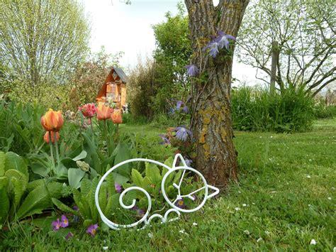 Garten Deko Le by Chat Qui Dort En Fer Forg 233 Blanc Pour D 233 Coration De Jardin