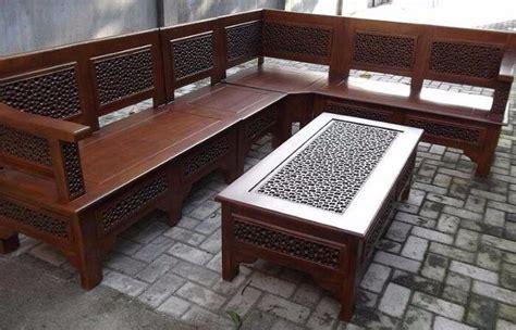 Kami hanya memproduksi mebel dan furniture custom yang dimana tidak ada beredar di pasaran. Kursi Jepara Tanpa Ukiran : Kursi Sudut Kayu Tanpa Ukir ...
