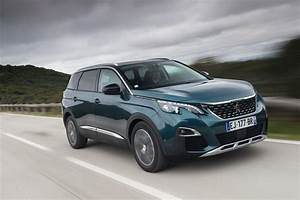 Peugeot Suv 5008 : suv crossover pickup peugeot 5008 breaks new ground as a large seven seater suv in the c ~ Medecine-chirurgie-esthetiques.com Avis de Voitures