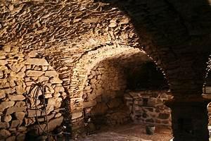 Construire Une Cave Voutée En Pierre : r novation au thyl dessous d piquetage de la cave vo t e ~ Zukunftsfamilie.com Idées de Décoration