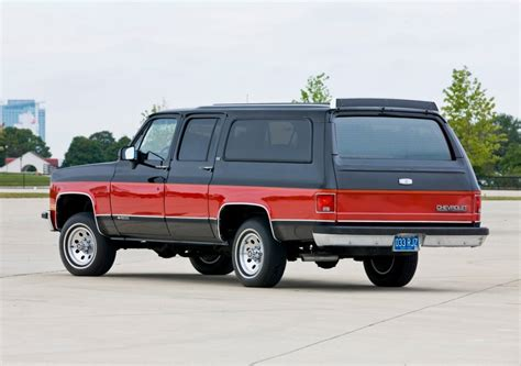 Suburban Cadillac Buick by 1973 1991 Gmc Chevy Suburbans Vs Today S Suburbans Luxury