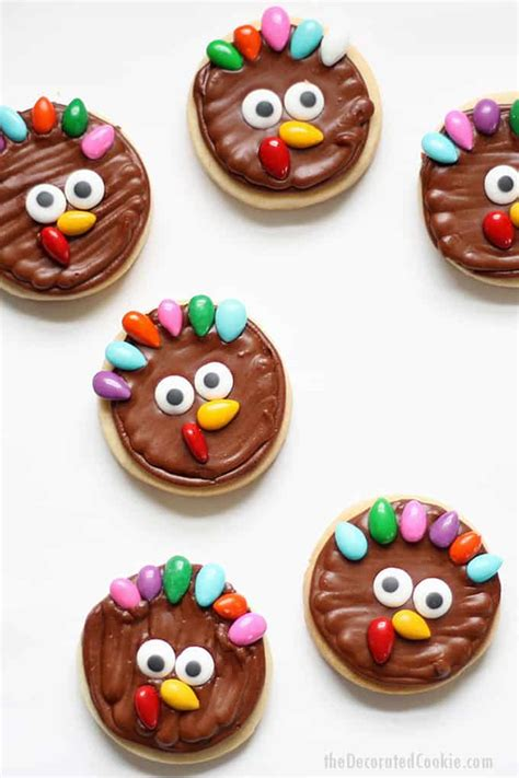 Get creative with your kids this turkey day by making these cute thanksgiving crafts. TURKEY COOKIES for Thanksgiving, an easy fun food idea