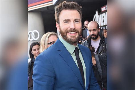 Captain America star Chris Evans admits to wanting kids ...