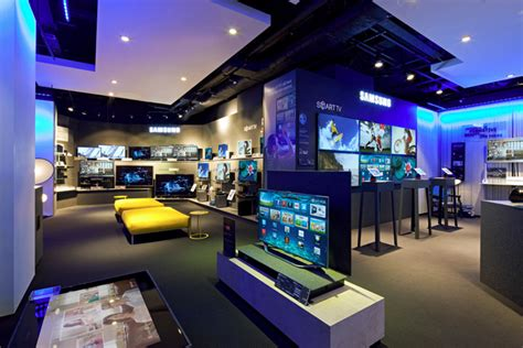 siege social de samsung samsung hires apple store designer for competing retail