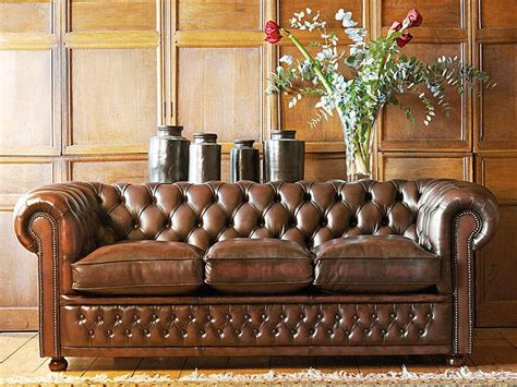 canape chesterfield vintage chesterfield sofas 5 reasons to own one