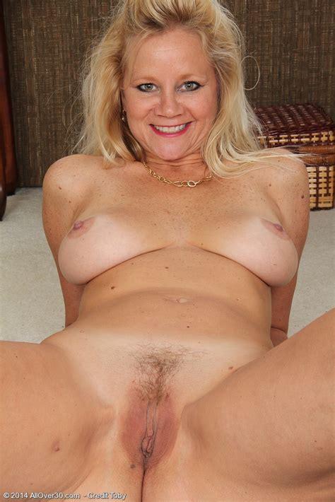 Sexy Mature Nude Heidi Gallo From All Over