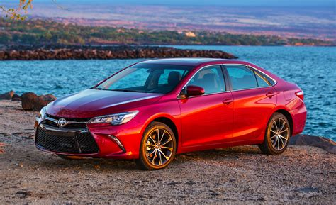 Camry hybrid offers a cleaner drive without sacrificing power or style. SellAnyCar.com - Sell your car in 30min.Toyota Camry 2015 ...