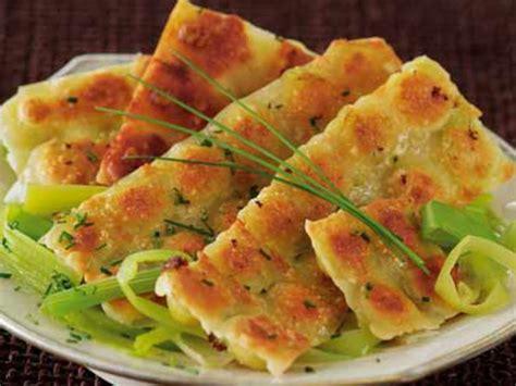 cuisiner le poireau recettes ravioles grillées sur fondue de poireaux recettes