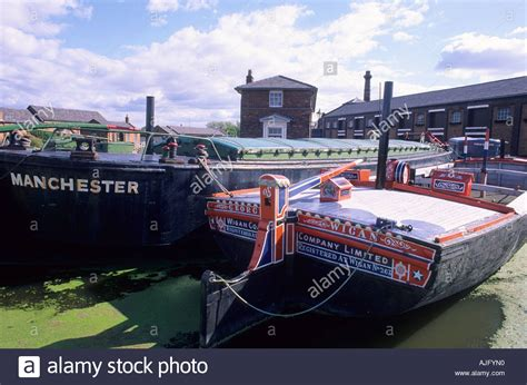 Canal Boat Cheshire by Ellesmere Port Boat Museum Narrow Boats Cheshire