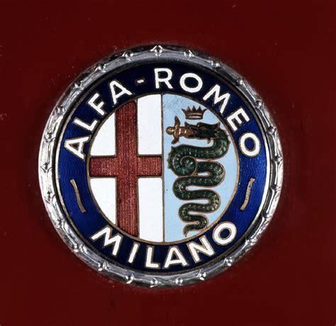 jahre alfa romeo embleme