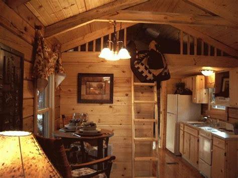 sq ft oak log cabin  wheels
