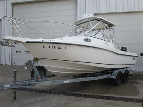 Boston Whaler Boats For Sale Indiana by Whaler 235 Conquest Boats For Sale In Indiana