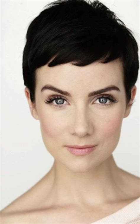 Hairstyles Pixie Cuts by Best 25 Pixie Ideas On Pixie Cuts