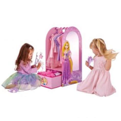 canapé dépliable princesses disney décoration rangement déco murale