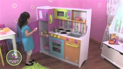 Kidkraft Big & Bright Play Kitchen W 27 Piece Cookware