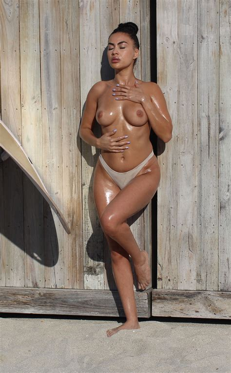 Oily Julissa Neal Poses Topless 65 Photos Thefappening