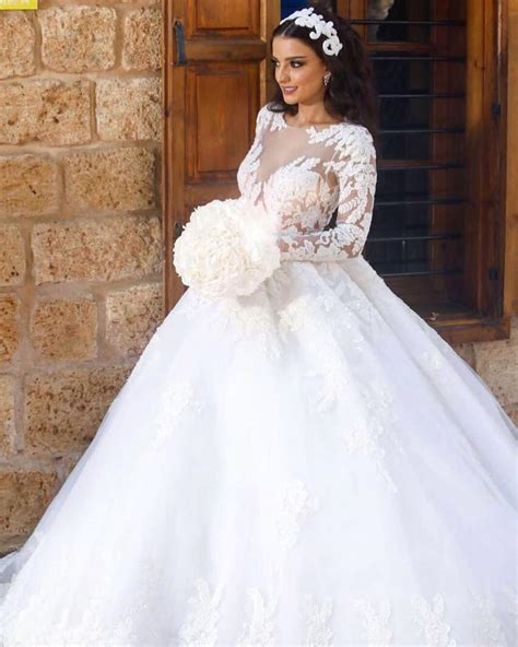 Vintage Lace Long Sleeves Ball Gown Wedding Dresses 2018