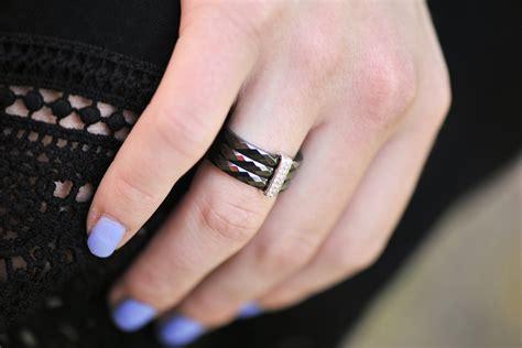 czarna sukienka shiny syl blog