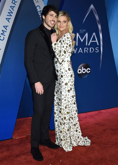 Photos 2017 Cma Awards Red Carpet Fashion Abc11com