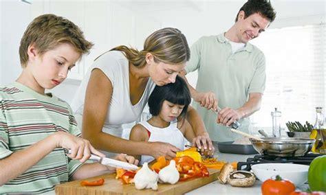 cuisiner avec les enfants 5 conseils pour gagner du temps en cuisine ma cuisine santé