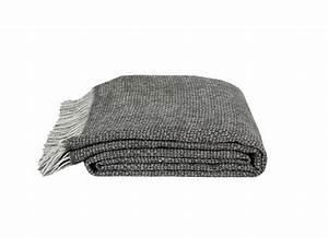 Plaid Pour Canapé : 65 id es d co pour accompagner un canap gris elle ~ Premium-room.com Idées de Décoration