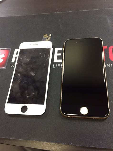 iphone screen goes black broken white iphone 6 replaced with a black screen and