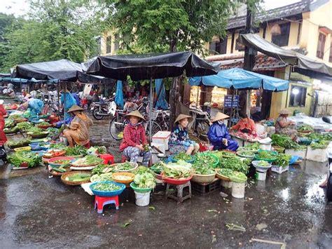 season rainy clothes vietnam backpackers