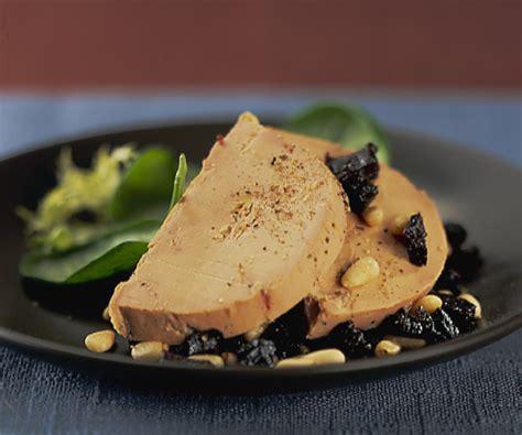 cuisiner du foie cuisiner le foie gras foie gras et tartare de pruneaux