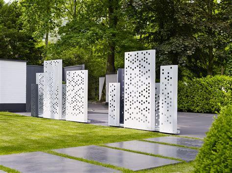 sichtschutz metall garten garten im quadrat moderner sichtschutz quot separo quot metall wei 223 oder grau f 252 r garten und