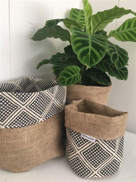 pot plant cover modern wanderer  hessian reversible