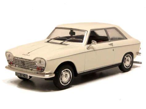 Peugeot - 204 Coupé 1967 - Norev - 1/43 - Autos Miniatures ...