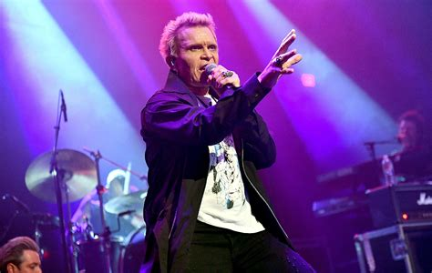 Billy Idol Trolls Fans By Refusing To Make Obvious Royal