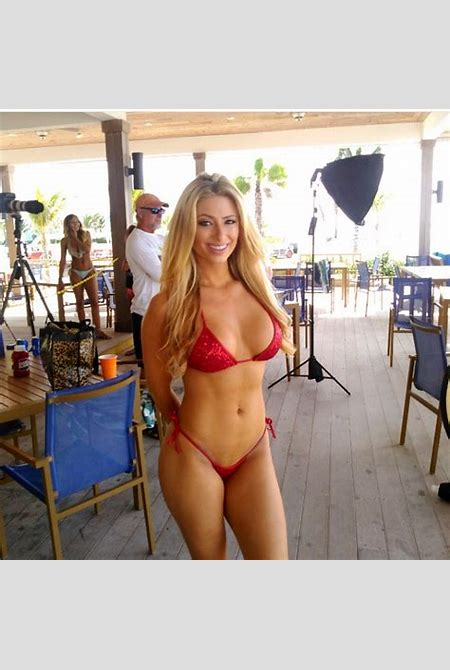 June Web Girl Of The Month Holly — Hooters South Florida