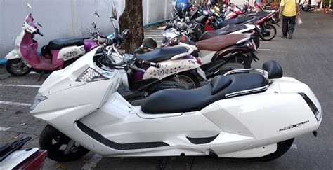 Nmax 2018 Thailand by Pcx 2018 Vs Nmax 2018 Page 4 Motorcycles In Thailand