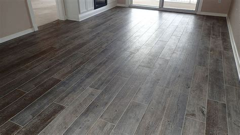 tile flooring that looks like tiles astonishing floor tiles that look like wood barn wood look tile tile flooring looks like