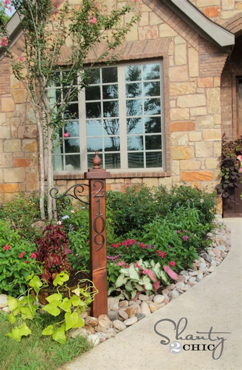 house number sign for l post an address post displaying your address numbers makes a