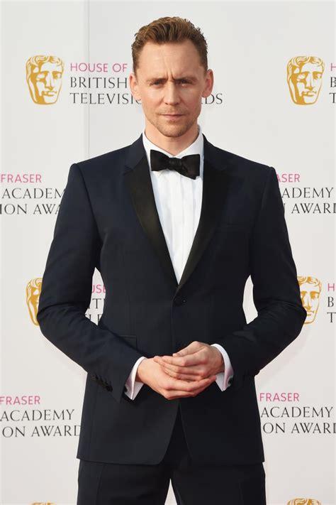 Who Did Tom Hiddleston Date Before Taylor Swift? Elizabeth ...