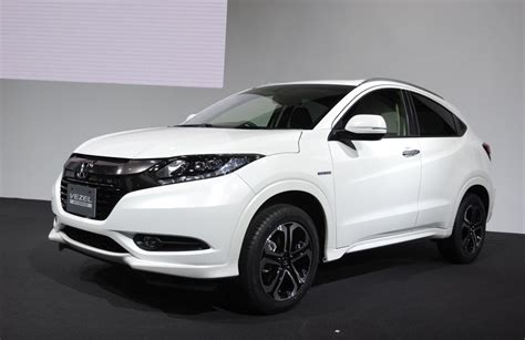 honda vezel revealed  japan  coming