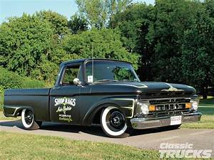 1961 Ford F-100 - Flat Out
