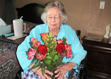 10 Gift Ideas for Nursing Home Residents | WeHaveKids